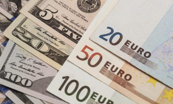 Euro Hits 1-Month High as Investor Focus Switches to Possible ECB Rate Rise