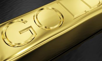 Gold Declines as Investors Focus on Rate Hike