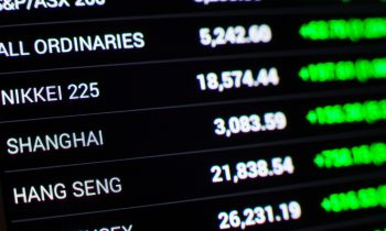 Asian Markets Close in Red in Light Trading